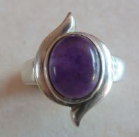 Sterling Silver and Amethyst  Modernist Style Vintage Ring.